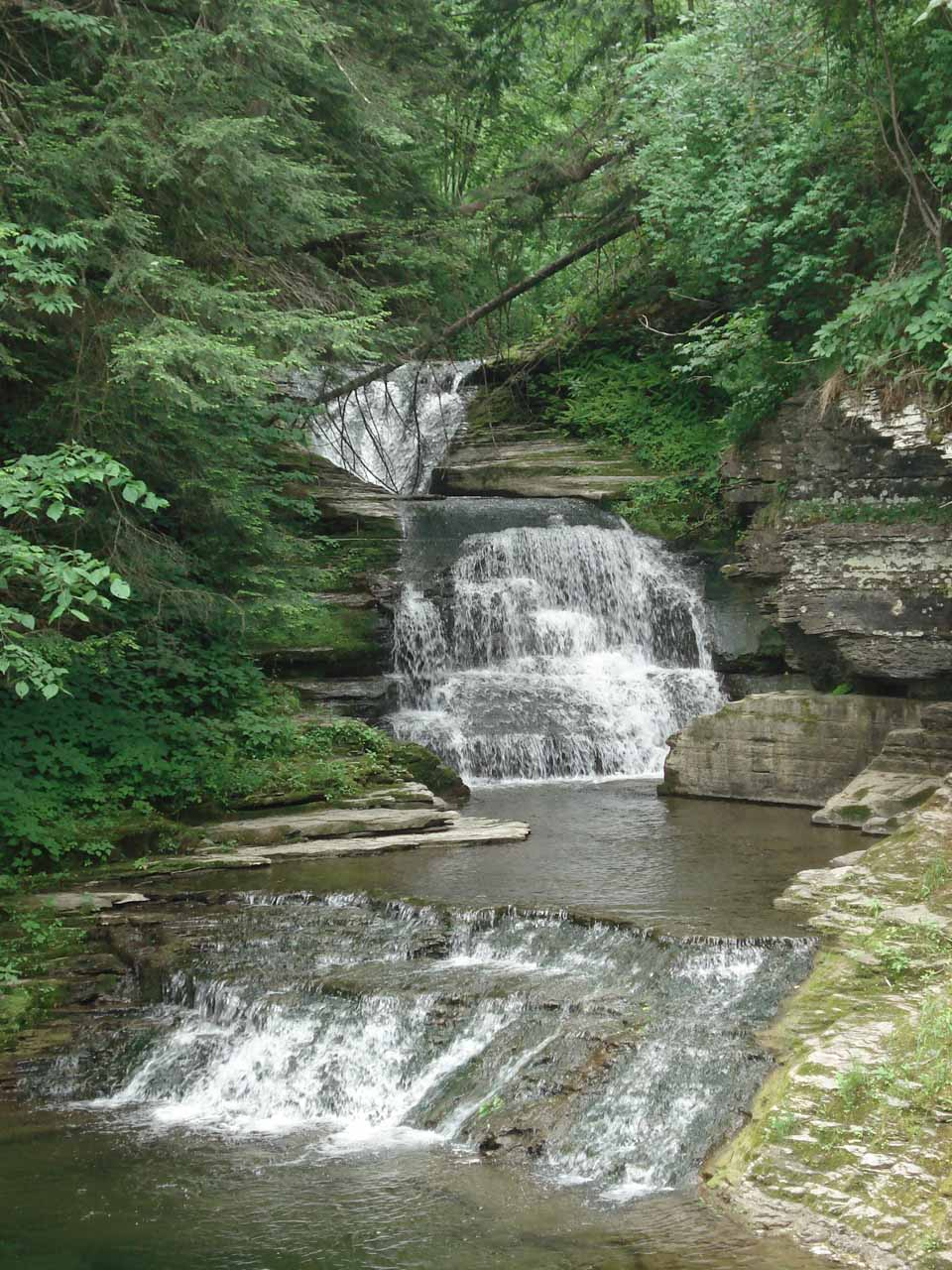 Triple cascades in the scenic Enfield Glen