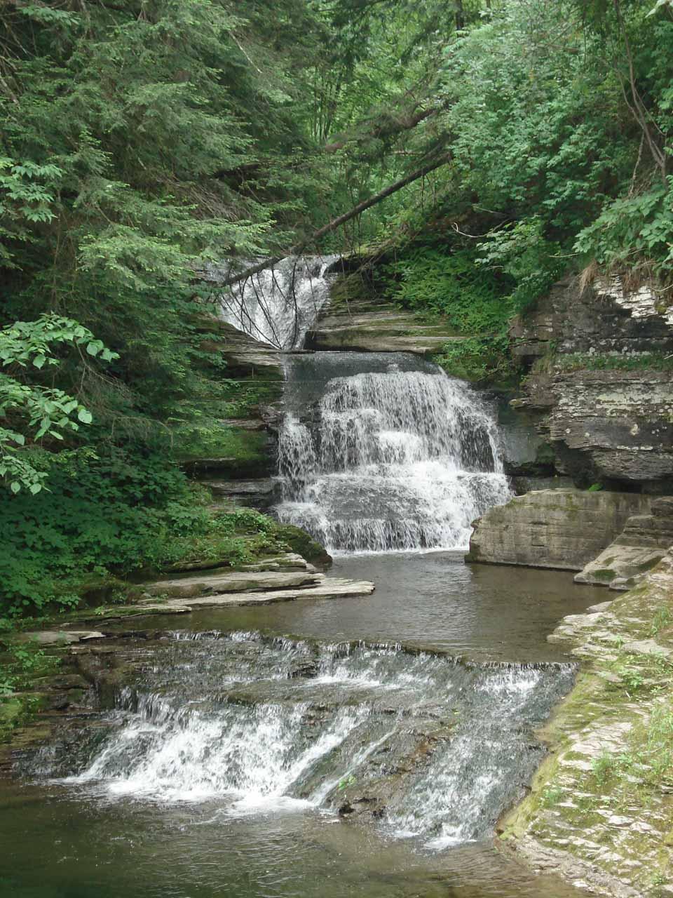 Triple cascades in the scenic Enfield Glen