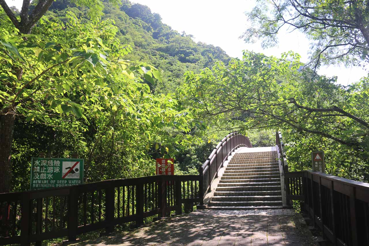 Naturally, I pursued other hiking trails to see if it was possible to improve the Luoshan Waterfall experience