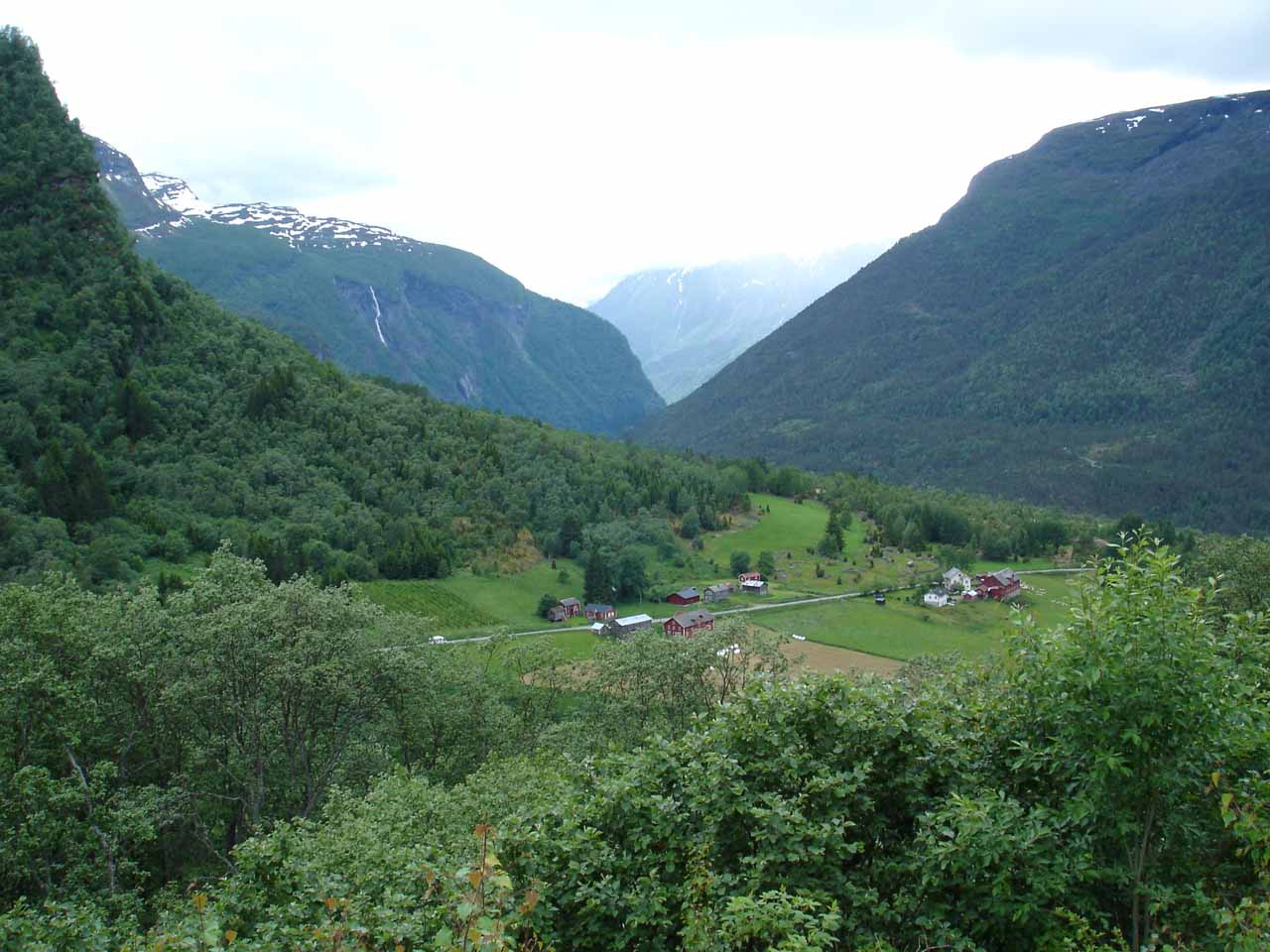 Earlier in the day we traversed Fardalen en route to Skjolden and then the Jostedalen Valley. We got this view as we were headed to Skjolden while approaching Turtagrø
