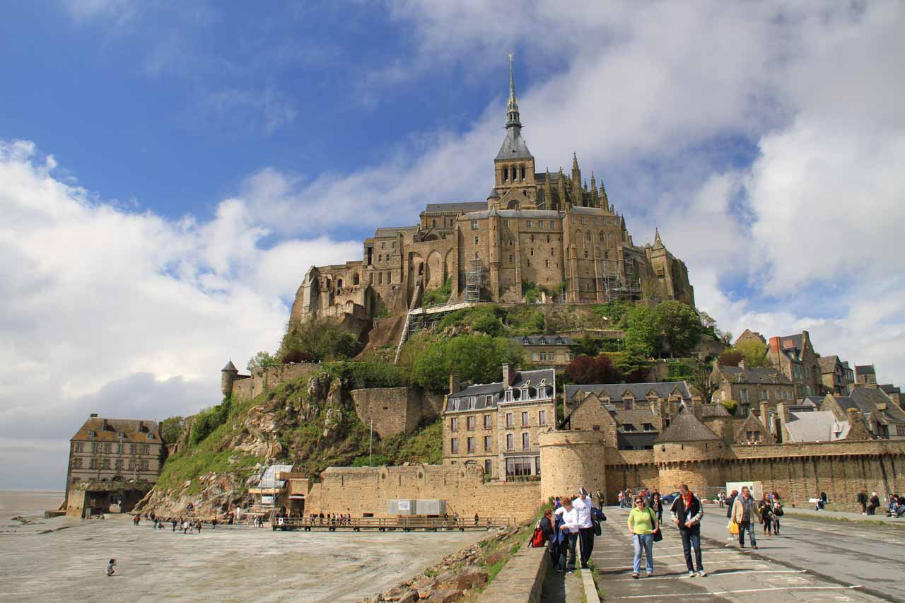 Even though this is also in Normandie, the Mont-Saint-Michel is definitely worth the 3-hour drive from Etretat and one of the highlights of our trip in France