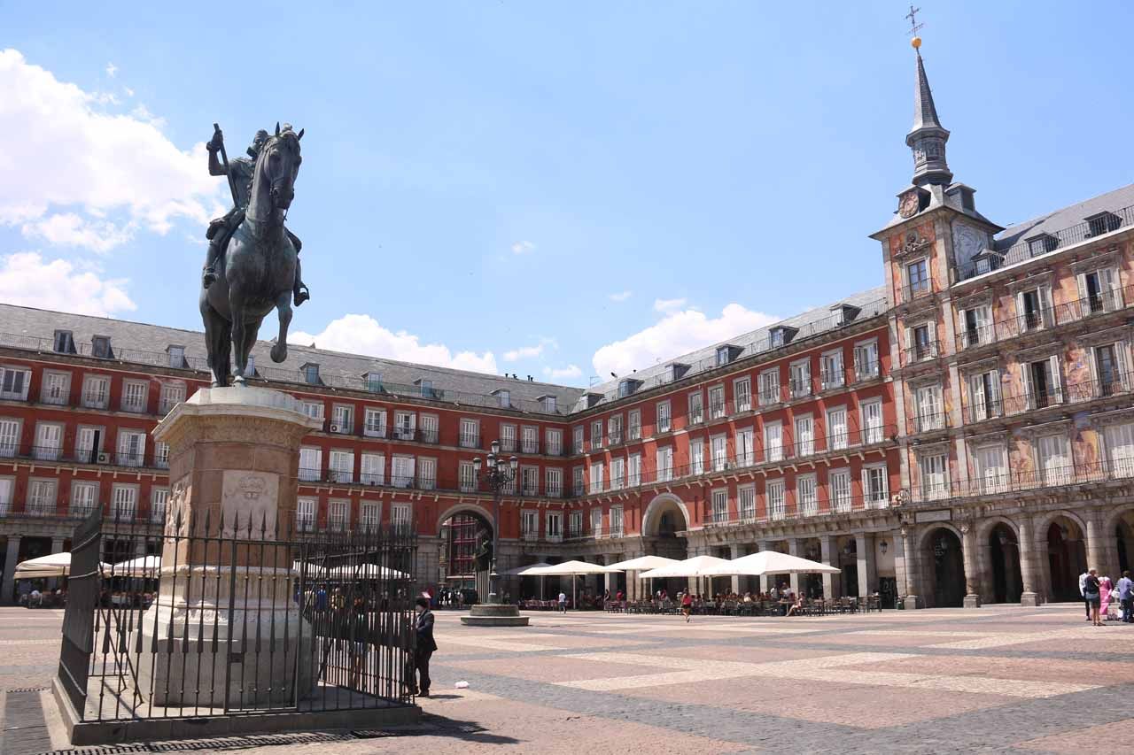 Back at the Plaza Mayor but without that hideous stage getting in the way