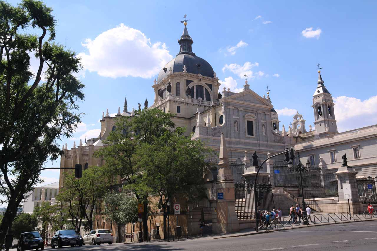 Approaching the Catedral de la Almudena