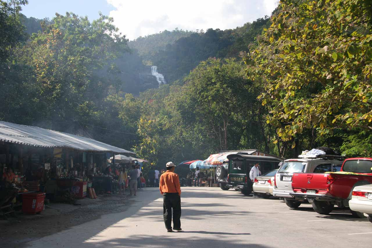 At the car park for Mae Ya Waterfall