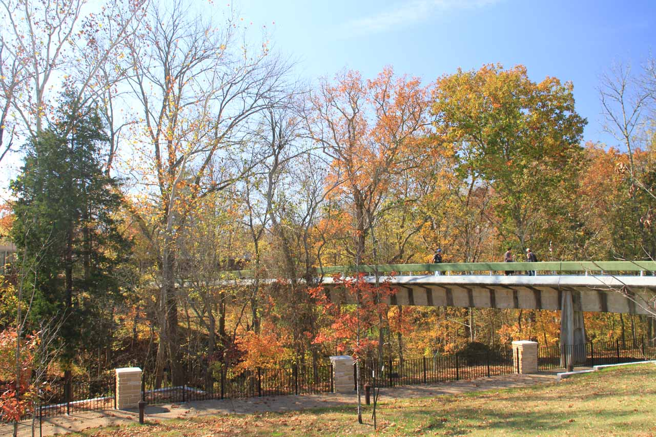 Bridge connecting the main visitor center with the diner