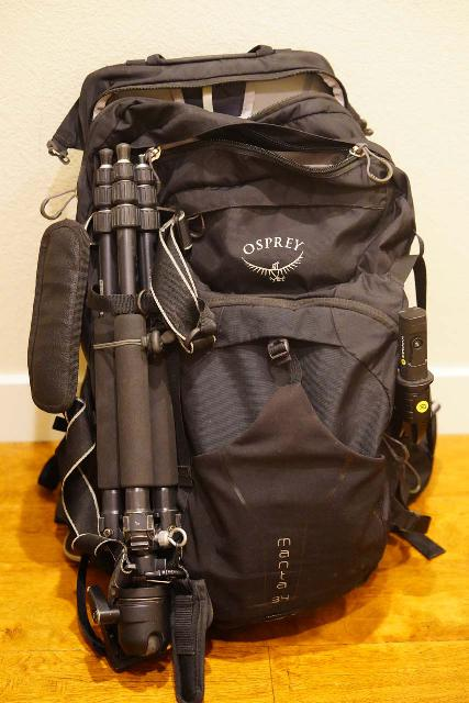 An underutilized and underappreciated aspect of the Osprey Manta 34 has been the bungy-tied loops along with a bottom loop that allows me to hold both my tripod and SwitchPod as shown here