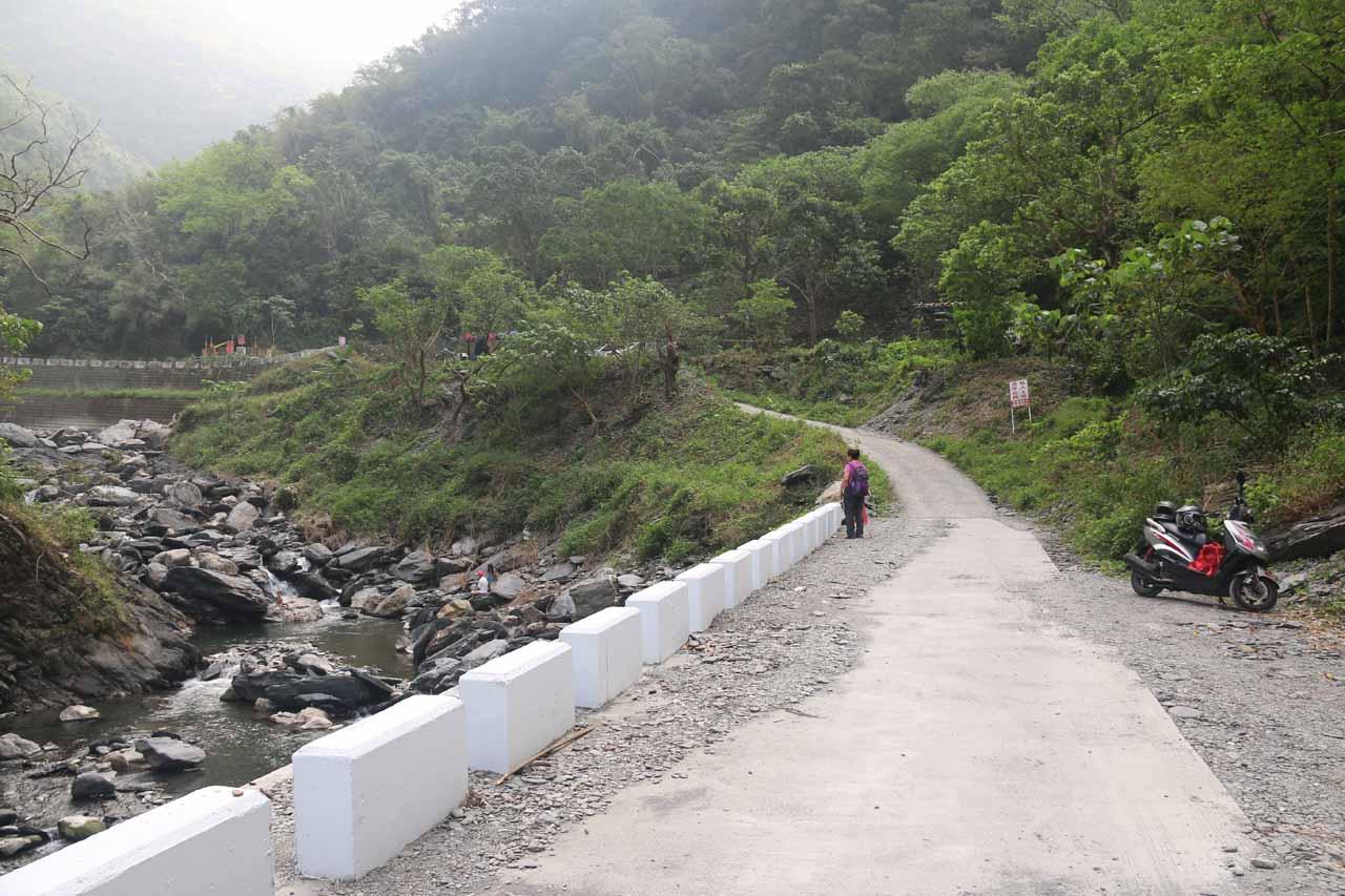 Walking up along the narrow road towards the Maolin Valley Waterfall Trailhead