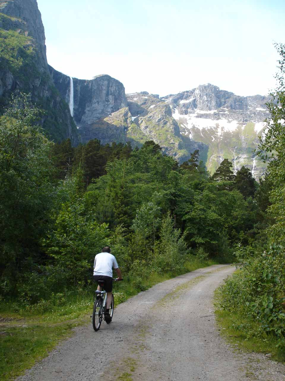 Being passed by a mountain biker as we hiked closer to Mardalsfossen