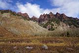 Maroon_Bells_041_10192020 - High contrast look towards the reddish cliffs near Maroon Lake