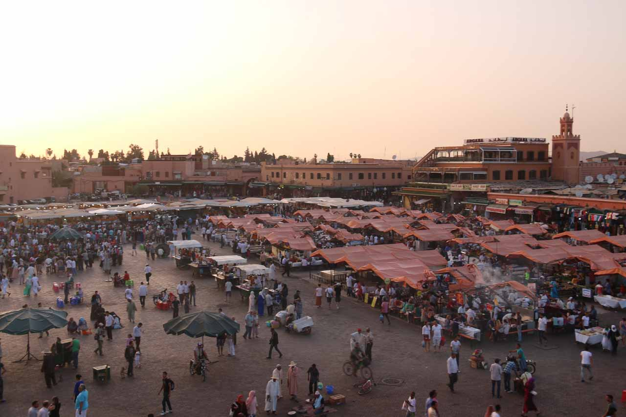 The Djemaa el-Fna as it was getting busier the lower the sun was on the horizon