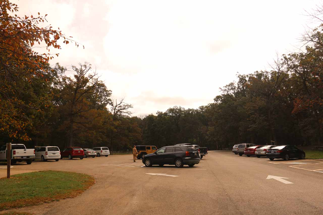 The busy car park for Cascade Falls at Matthiessen State Park