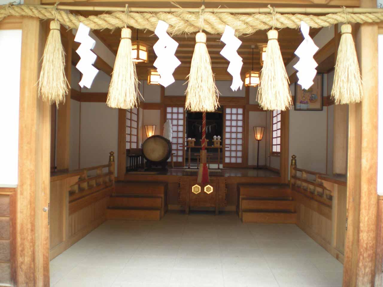 The shrine at Nakamachi-dori part of Matsumoto