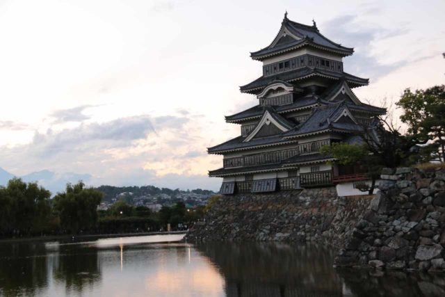 Matsumoto_017_10192016 - Zengoro-no-daki was one of our waterfall excuses to come out to Matsumoto, but the big highlight was the wooden Matsumoto Castle, which was a UNESCO site