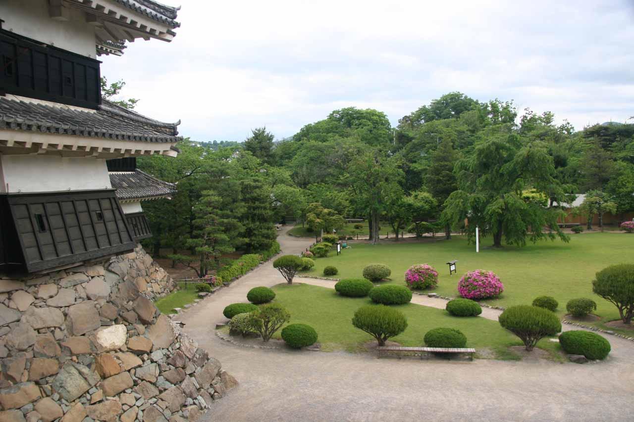 Peering outside the Matsumoto-jo towards the garden below