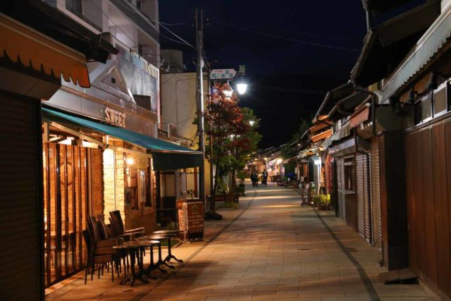 Matsumoto_077_10192016 - In addition to the Matsumoto Castle, the alleyways of the Nakamachi-dori District of the city was also an atmospheric stroll