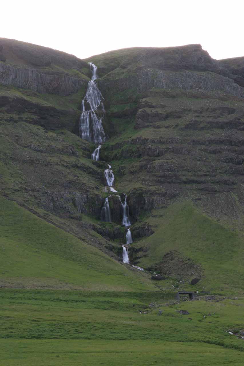 Attractive waterfall near the Mavahlið farm just east of Ólafsvík
