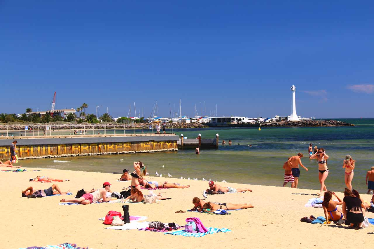 Melbourne not only had interesting activities in the city centre, but there was also a lot of activity at St Kilda Beach, especially in gorgeous weather like this