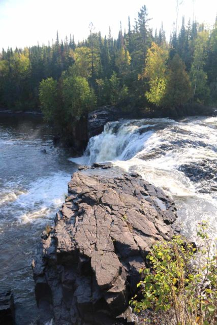 Middle_Falls_Pigeon_River_016_09272015 - Looking down over the brink of the Middle Falls of the Pigeon River from the Canadian side