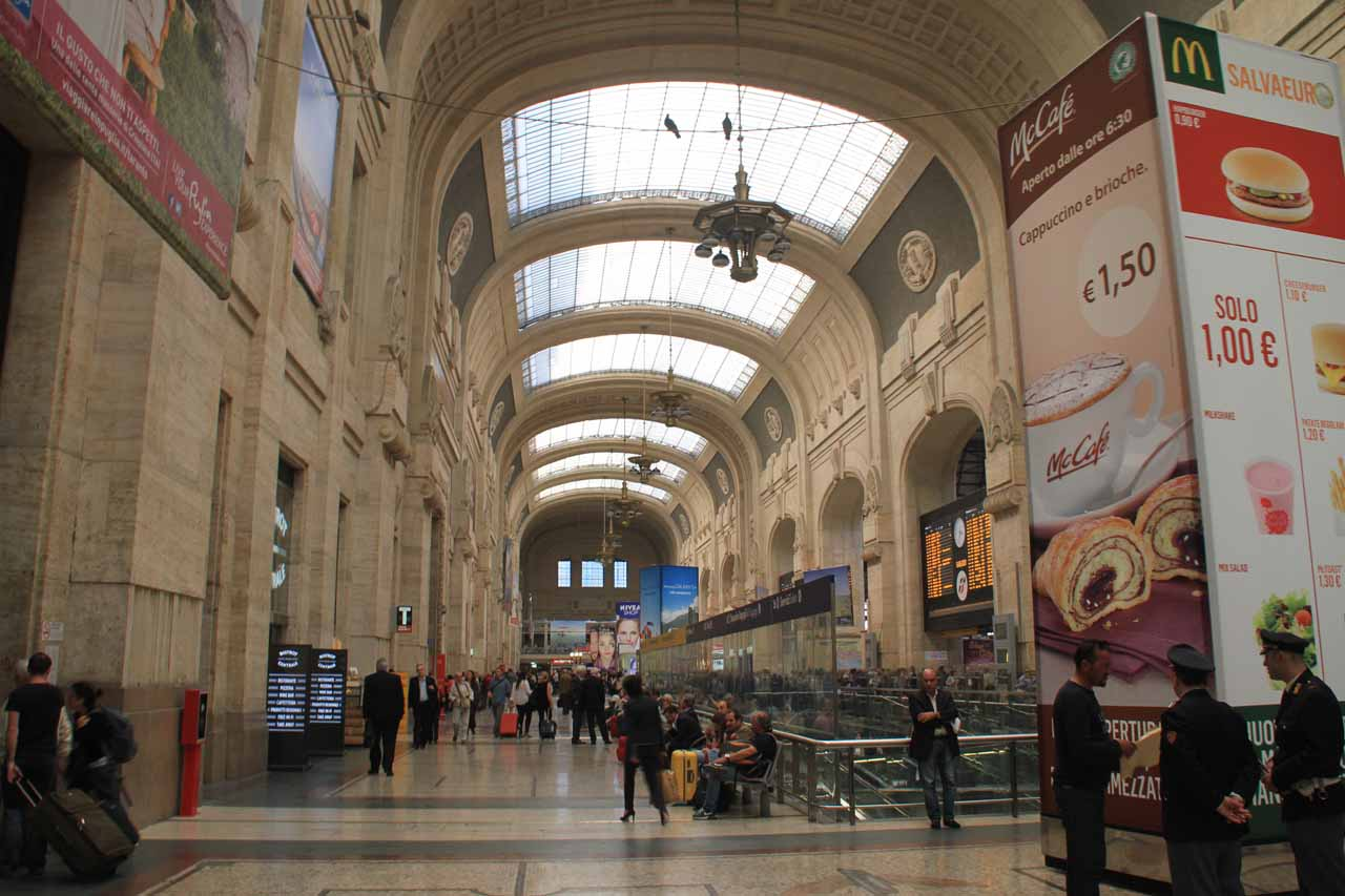Within the rather grand Milan Stazione Centrale, which had quite a bit of grandeur and seemed reminiscent of a New York's Central Station with the tall ceilings and archways