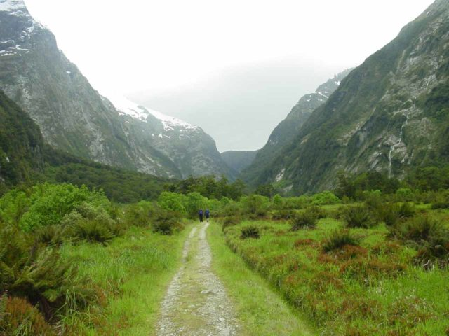 Milford_Track_day2_112_11272004 - Looking ahead towards Mackinnon Pass while we walked to the head of the Clinton Valley en route to the Pompolona Lodge to end day 2 of our Milford Track tramp