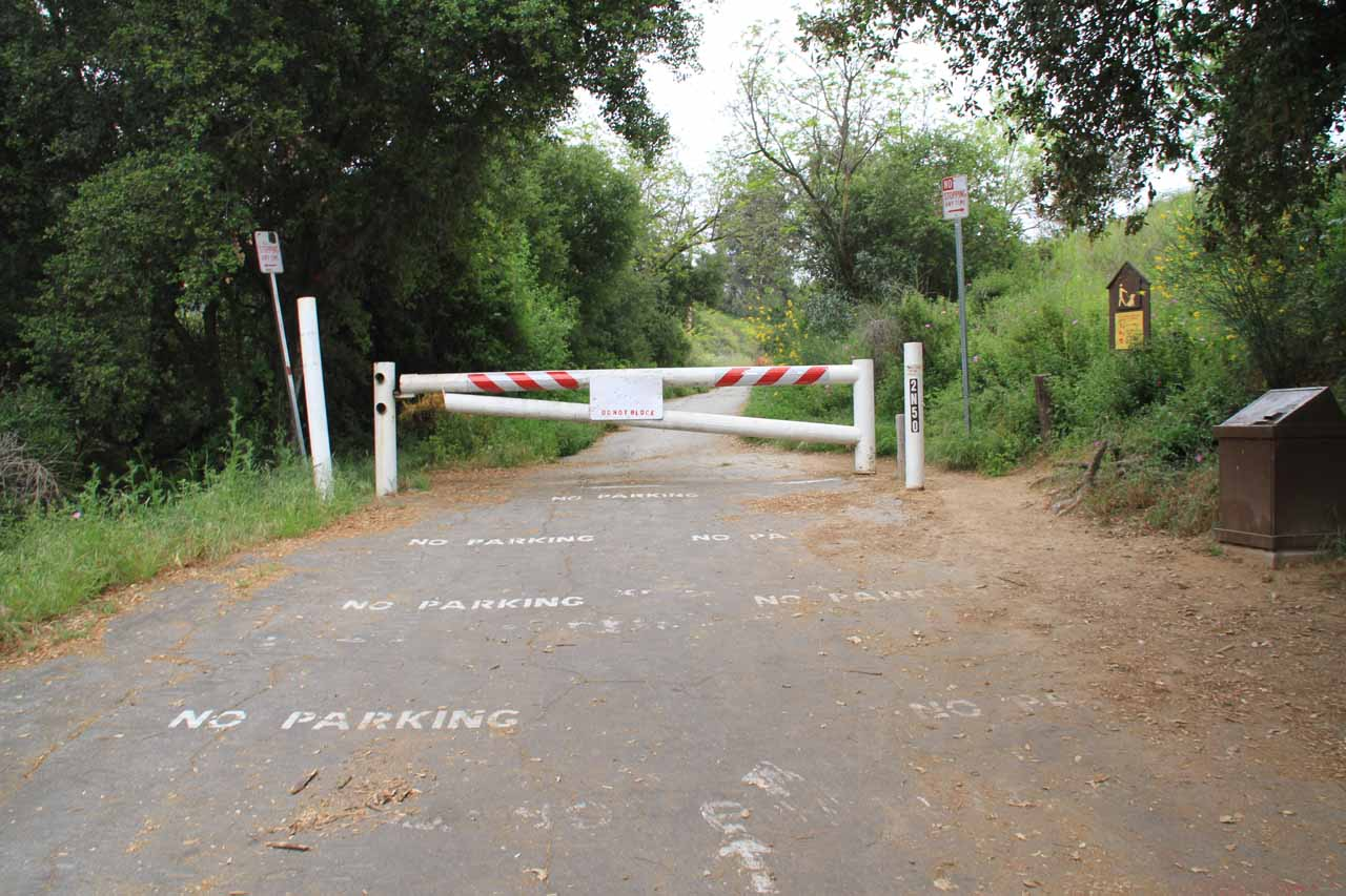 Closure gate at the start of the alternate hike