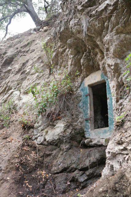 Millard_Falls_16_028_01302016 - An interesting mine shaft that we noticed while hiking to Millard Falls