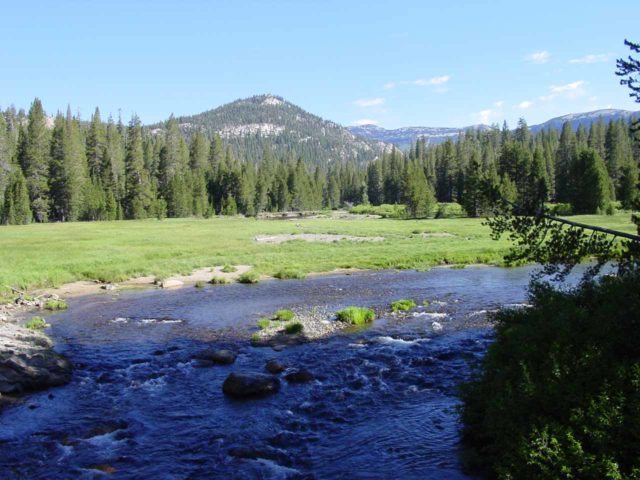 Minaret_Falls_Trail_001_07052002 - Looking upstream from the bridge over the San Joaquin River when we started the hike to Minaret Falls