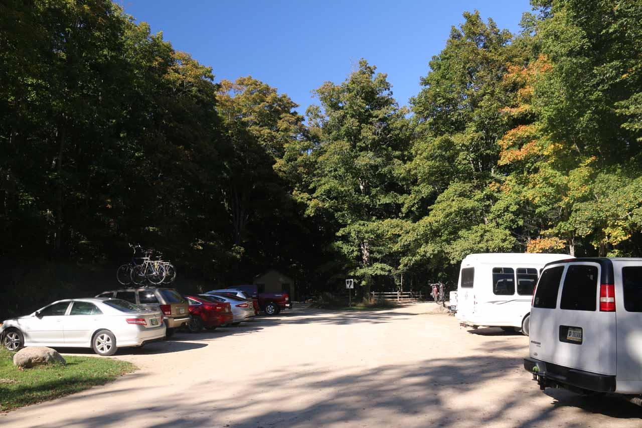 The full car park for Miner's Falls