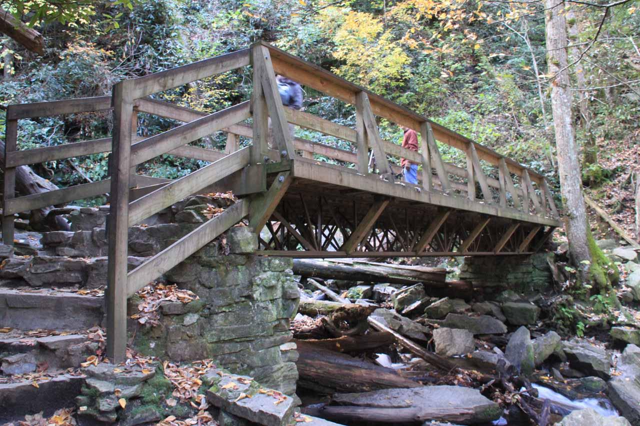 The bridge before Mingo Falls