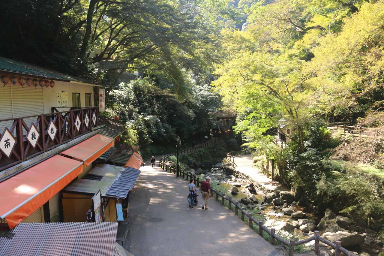 Looking back along the cafes and shops nearby the Minoh Waterfall