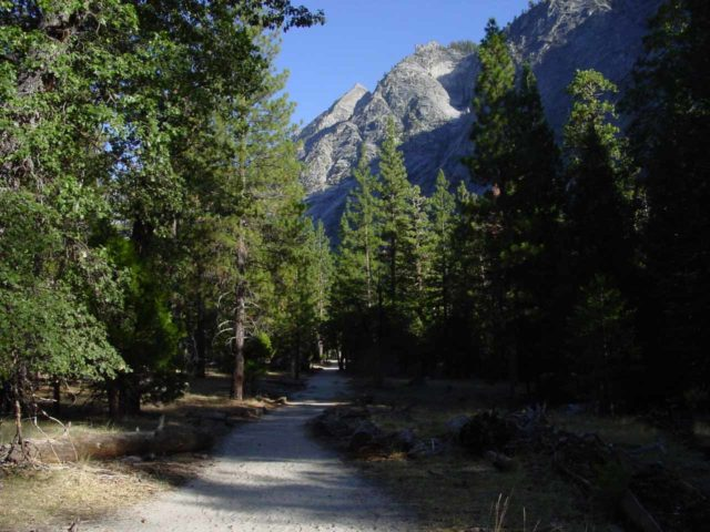 Mist_Falls_069_08272004 - The Mist Falls Trail starting at the Road's End in the Cedar Grove part of Kings Canyon National Park