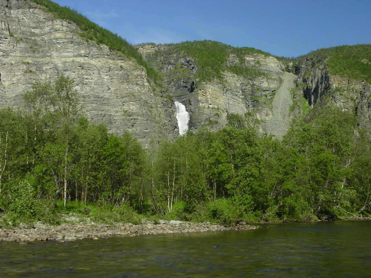 After the hypnotic boat ride, seeing Mollifossen definitely took us out of our trance