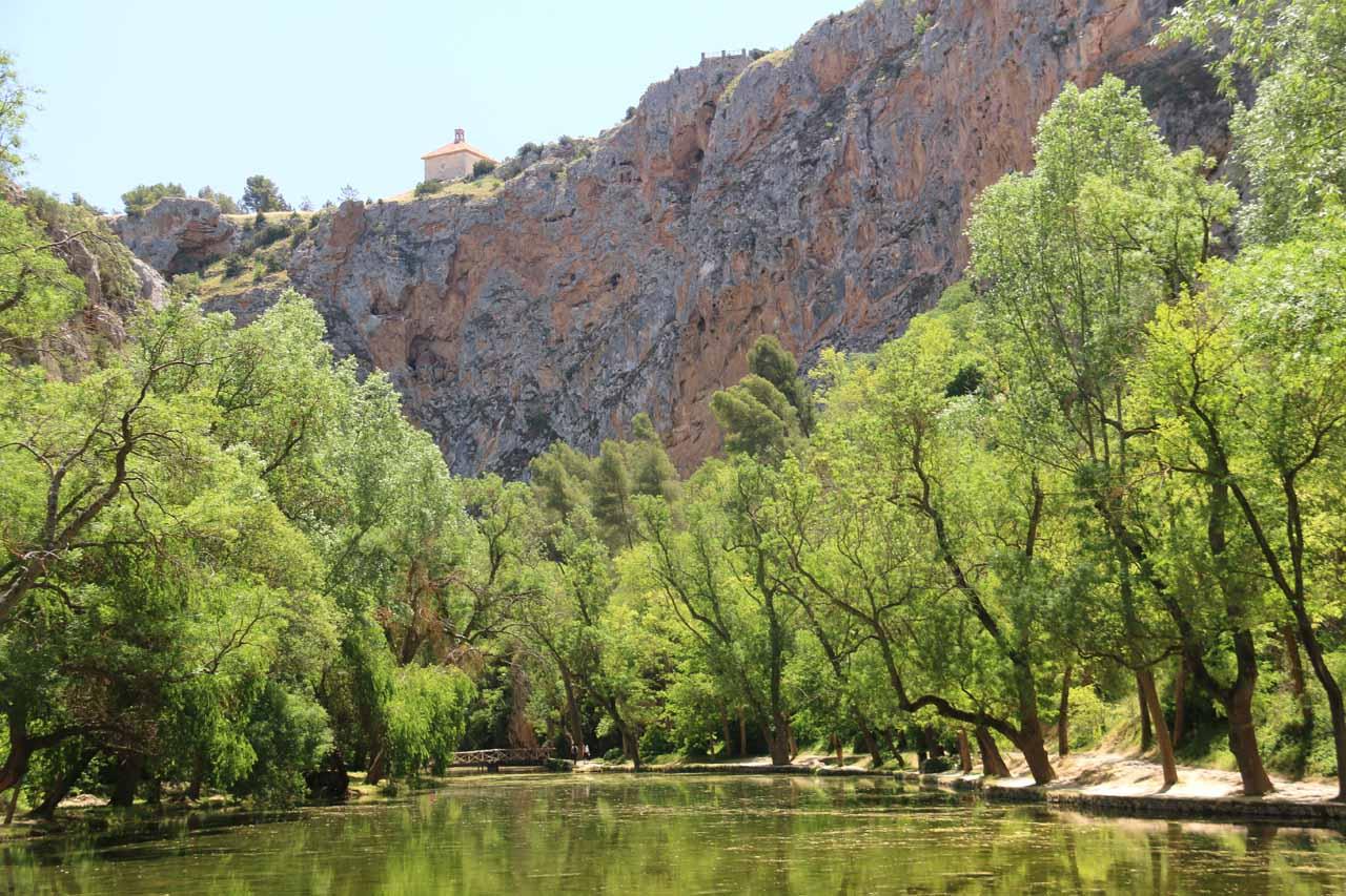 The Lago de Espejo
