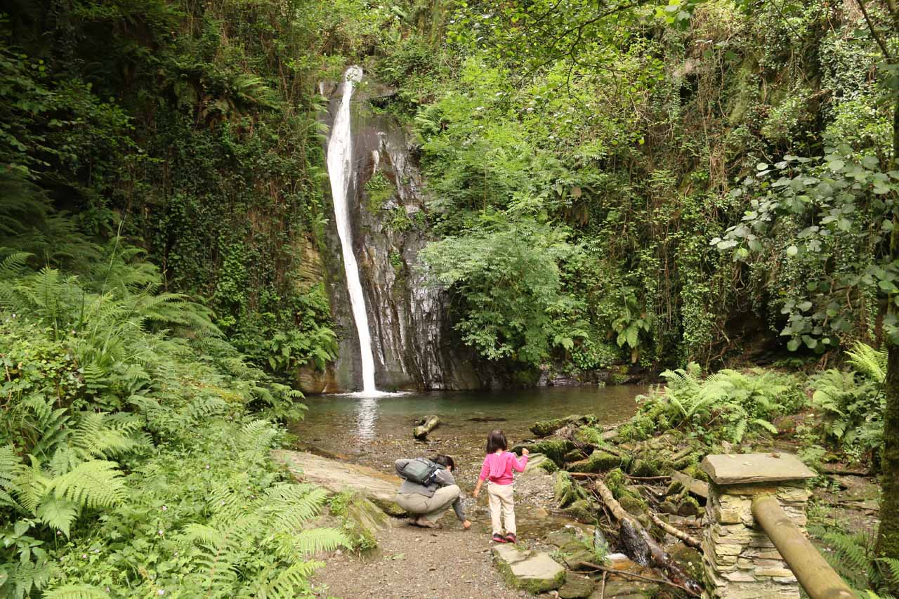 Julie and Tahia enjoying a peaceful time at Salto do Coro