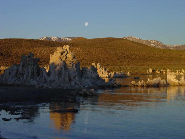 Mono_Lake_006_06042004 - Sunrise at Mono Lake near Lee Vining, which was right at the junction with the Tioga Pass Road entering Yosemite National Park from the east at the Tioga Pass