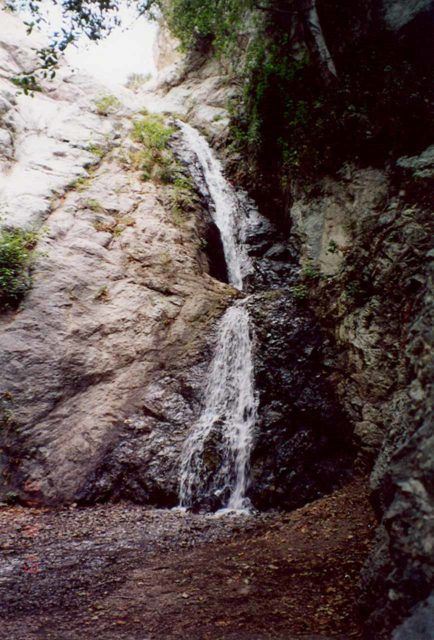 Monrovia_Canyon_Falls_001_scanned_08192001 - Monrovia Canyon Falls when we first saw it in August 2001