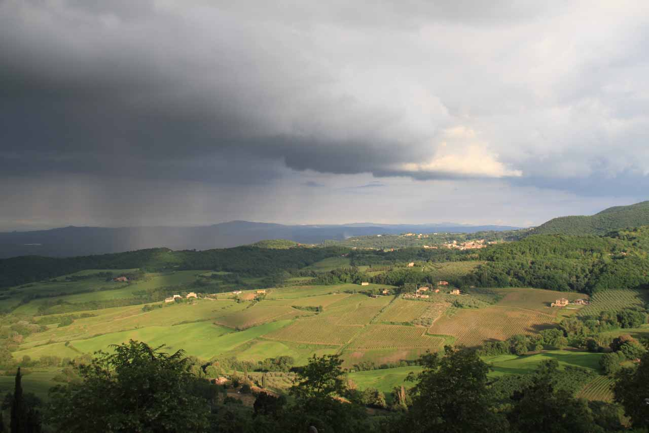 In between some mean-looking squally thunderstorms while we were busy trying to find our accommodation in Montepulciano