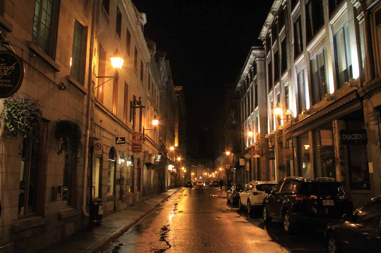 Night walking in Rue St-Paul