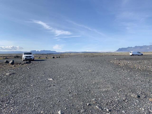 Morsarfoss_009_iPhone_08082021 - A lot of open space at the Háöuldukvisl Picnic Area in the Skeiðarársandur Plains