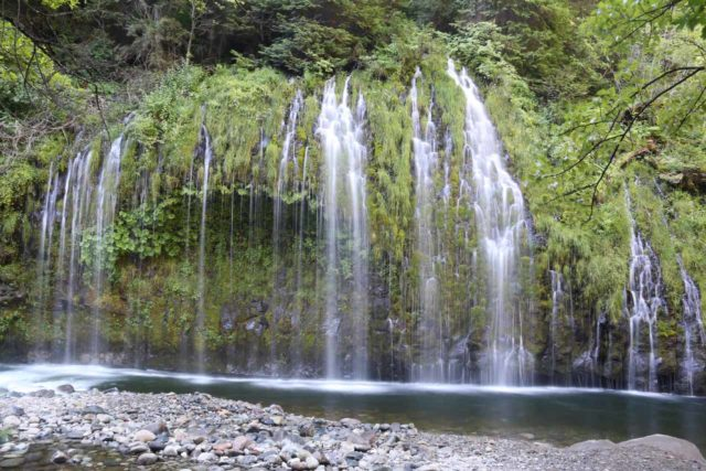 Employing waterfall photography to accentuate the lighter-flowing percolations of Mossbrae Falls