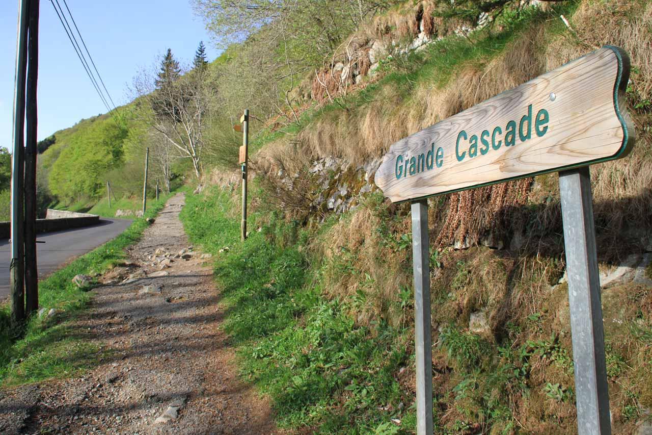 The official start to the Chemin de La Grande Cascade