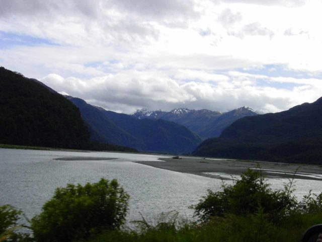 Mt_Aspiring_NP_007_11232004 - Looking along the Haast River and the wide Haast River Valley as we were making our way to Depot Creek Falls