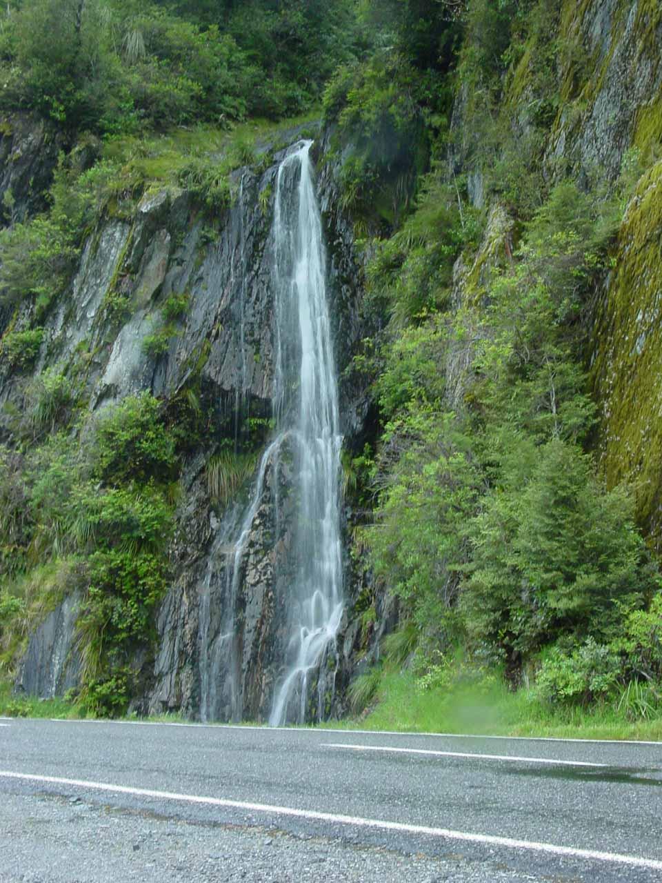 A roadside waterfall in Mt Aspiring National Park