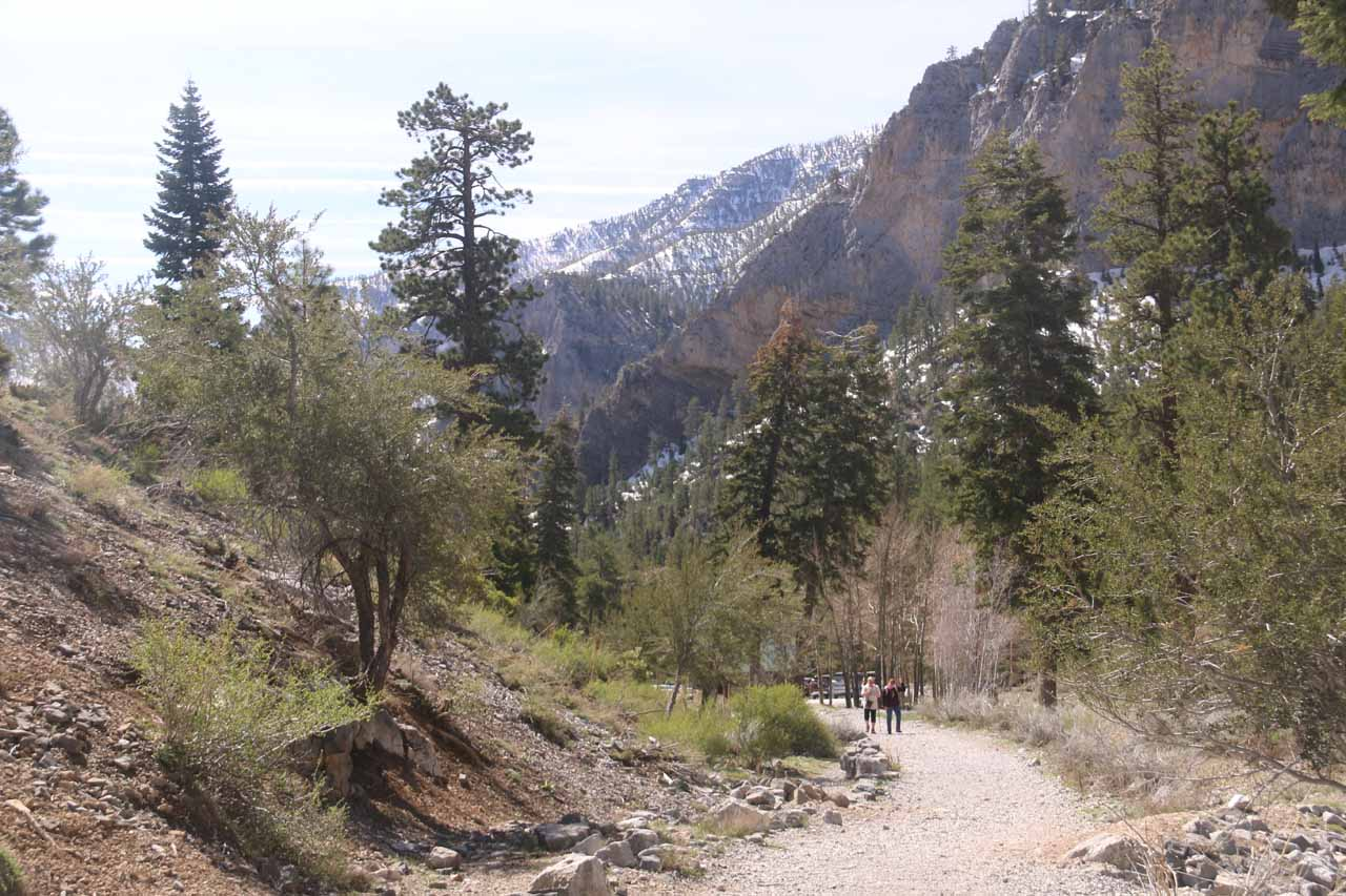Once I made it down the switchbacks, the trail was now gently sloping downhill as I was encountering one hiking group after another (some were bringing boom boxes and playing loud music; attesting to this place's popularity)