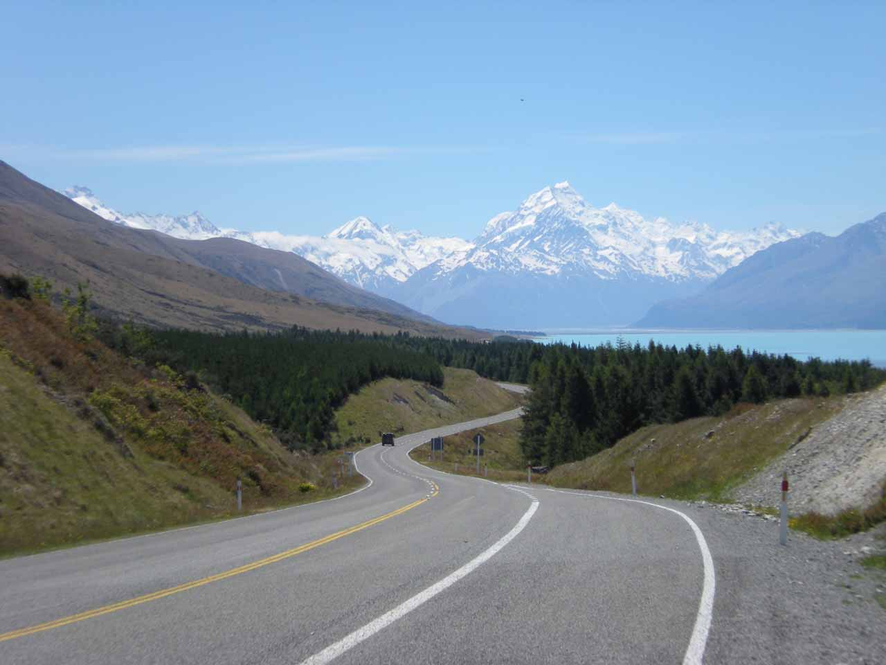 Then, we followed the Mt Cook Road past some more attractively colourful lakes towards Mt Cook itself