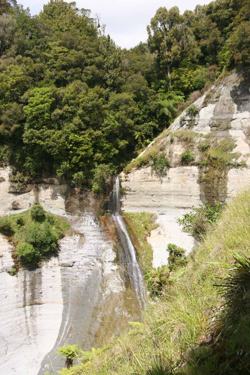 In January 2010, we saw a use trail (that wasn't there in our first visit) that allowed us to get this better view of the side waterfall