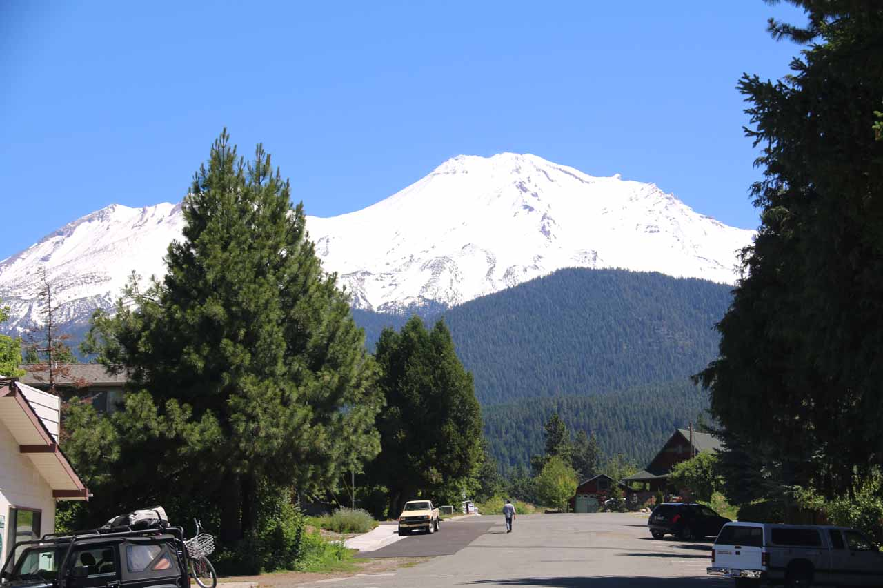 Roughly over an hour's drive from Whiskeytown was the impressive dormant volcano and town of Mt Shasta, which was one of the imposing peaks more typically seen further north in Oregon and Washington