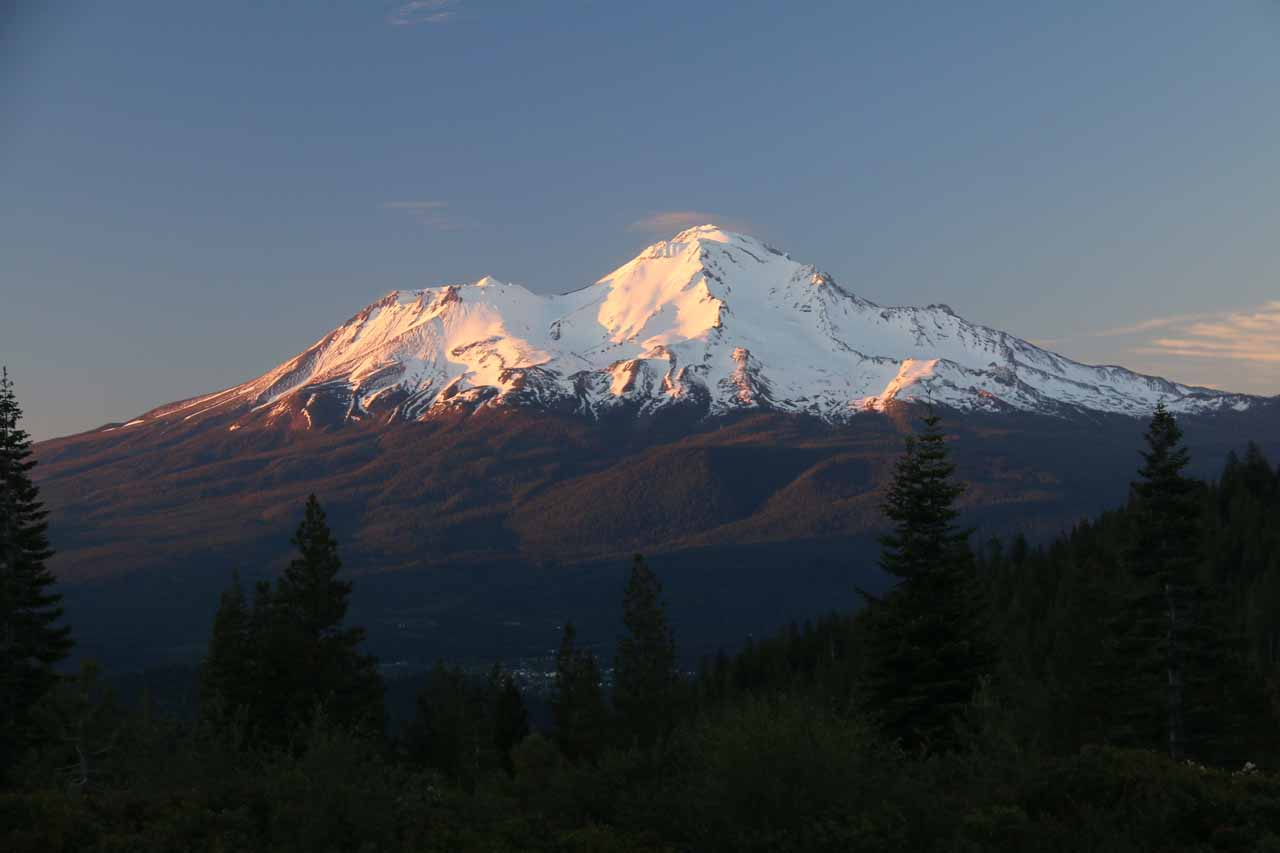 Roughly another 30 minutes drive north of Dunsmuir was the town of Mt Shasta, where we then drove towards Crystal Lake and got this beautiful view of Mt Shasta itself at sunset