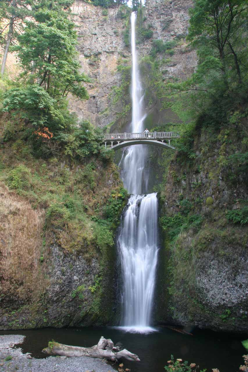 Multnomah Falls in its late August 2009 flow with that fallen log still fronting the plunge pool (it was there six months prior in March)