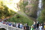 Multnomah_Falls_17_102_08162017 - Looking back at the crowded Benson Bridge and the base of the upper drop of Multnomah Falls